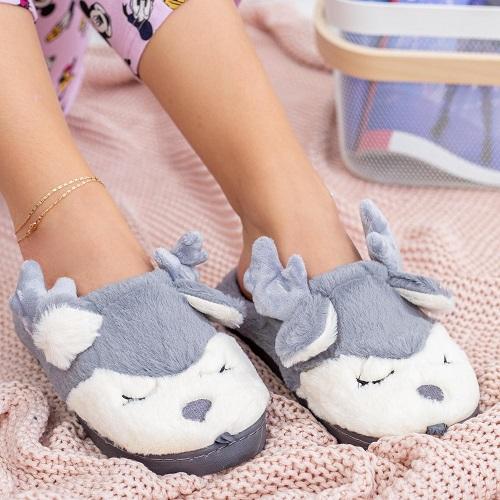 Idei cadouri papuci de casa cei mai pufosi, cei mai haiosi!