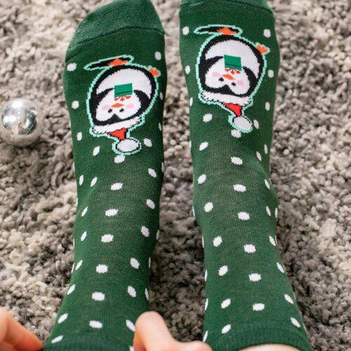 Idei Cadouri de Craciun  Sosete de craciun cu buline si pinguin Socks Concept SC-NL26