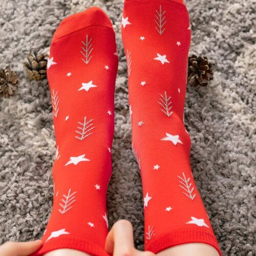 Idei Cadouri de Craciun  Sosete de craciun rosii cu stelute Socks Concept SC-NL10